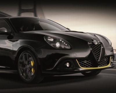 Remplacement du métal sur le support de porte Alfa Romeo Giulietta